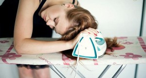 Выпрямление волос без утюжка и фена в домашних условиях